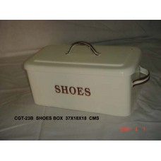 Box shoes creme